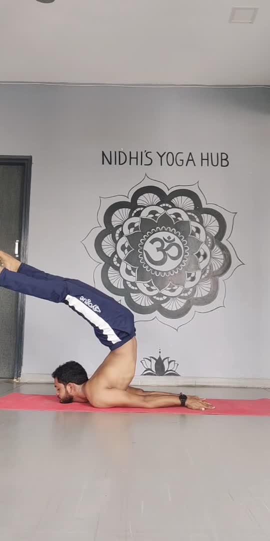 Salabhasana practice🙏🧘♂️  STRENGTH, COURAGE AND POWER DO NOT EXCLUDE KINDNESS, UNDERSTANDING AND CONSIDERATION.  YOU CAN BE STRONG AND KIND;  YOU CAN BE COURAGEOUS AND UNDERSTANDING;  YOU CAN BE POWERFUL AND CONSIDERATE.🙏🏻😇  #salabhasana #yoga #yogapractice #dhanurasana #locustpose #yogaeverydamnday #yogaeveryday #bhujangasana #backbend #yogachallenge #yogalife #bowpose #igyoga #urdhvadhanurasana #asana #omurgasa #yogaeverywhere #yinyoga #yogaalignment #itimi #yogae #pilates #urdhvamukhasvanasana #yogalove #namaste #yogainspiration #ustrasana #bhfyp #cobrapose #jaymityoga