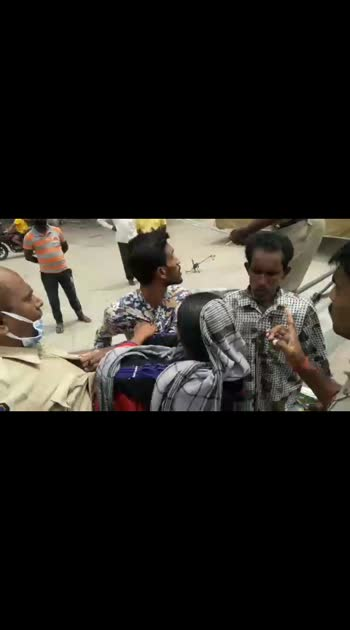 moulali muslim lady  fight  with  telangana police
