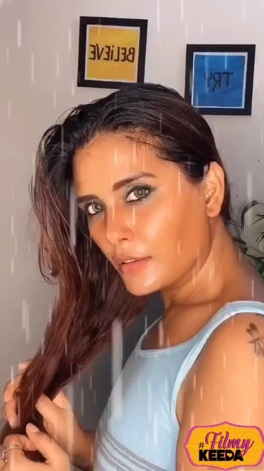Who else loves this song !😍 . . . . . #sofilmy #beautyblogger #bheegibheegiraatonmai #blogger #influnencer #poojaraina #filmykeeda
