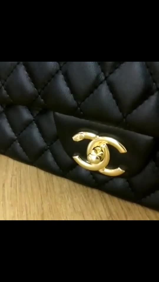 ONLY FOR QUALITY LOVERS *CHANEL CLASSIC DOUBLE FLAP* PREMIUM QUALITY AMAZING FINISH SIZE 6.5/10.5 MIRROR COPY ONLY BLACK   #shoponline  #onlineshopping  #handbagseller  #replicabranded  #replicas  #ludhianashopping  #fashionstore101