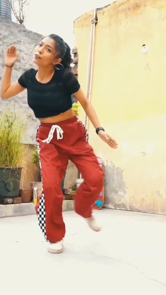 #merolehenga #pahadisong #dancer #dancingstar #roposostar #roposo-beats #risingstaronroposo #hiphopdance #freestyledance #kumauni_song #garhwalisong #uttrakhand