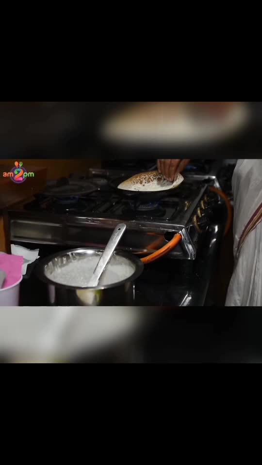 Puttu & Ragi Puttu - Puttu is a timeless culinary treasure of Kerala, made with rice flour or ragi flour (for Ragi Puttu).   #food #foodie #bloggerstribe #blogging #foodporn #eatingout #am2pmfood #gourmetstravelguide #cook4me #traditioanal #roposostar #roposofoodie #followme #followforfollow #follow4follow #followmeonroposo