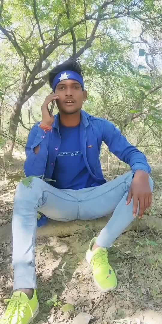 phone aya hai  #roposostar #roposo #marryme #marrychrishtmas #indiadancer #phonecall #booth #trendingvideo #viral #followme