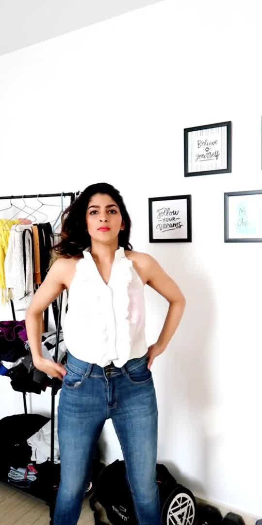 Different ways to style your high waist jeans #AajKalKaFashion #trending  #fashion  #highwaistjeans