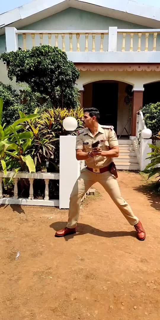 tera baap aaya ..  #newfilm #bollywood #bollywoodactor #newcopintown ##inspecterRohanpatil #comingsoon_next  #instagram  #irahuulchwudhary