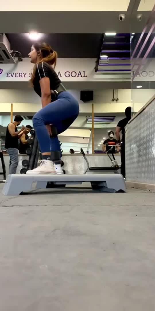 https://www.instagram.com/tripathianufit/channel/#fitness