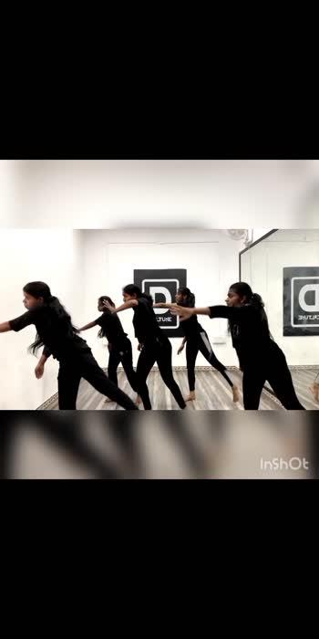 Manasu vasanai🖤 #contemporarydance #contemporary #contemporarymoves #risingstar #dancerslife #dancestudio #danceshoot #dancechallenge #dancechoreography #roposo-beats #irudhisuttru #emotinal-song #madhavan #ritikasingh #beats #professional #professionaldancer #shoot