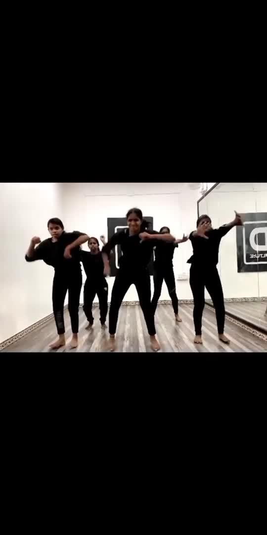 Contemporary routine🖤 #contemporarydance #contemporary #contemporarymoves #contemporarydancers #irudhi_suttru #madhavan #ritika #emotinal-song #feeling #vibes #danceindia #dancechallange #dancerslifestyle #danceshoot #dancefloor #danceindia #dancer #lovedancing #passion #passionforlife #passionfordance