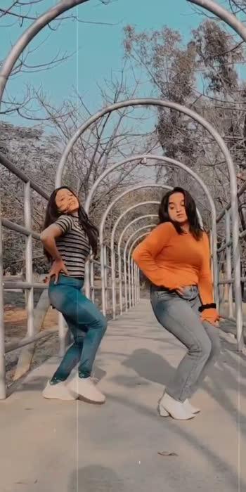 booty shake 😉 #bootyshake #tonykakkarofficial #trendingonroposo #ropso-star #roposo-beats #roposoindia #dancevideo #hiphopdance #dancerslife