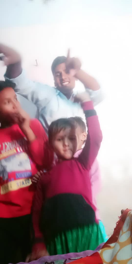 #desibeat#lovesong #fullscreenstatusvideowhatsapp masti hasi#majakiya #mastimood #childhoodmemories #viral_video