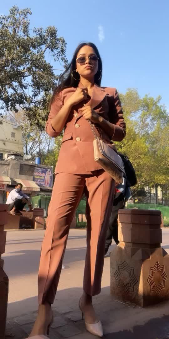 #suit #pantsuit #whattowear #shoot #earlymorningshoot