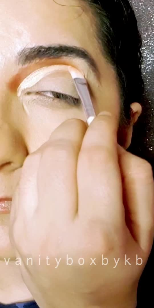 #roposostar #makeuptutorial #makeupartist #makeupblogger #featureme #foryoupage