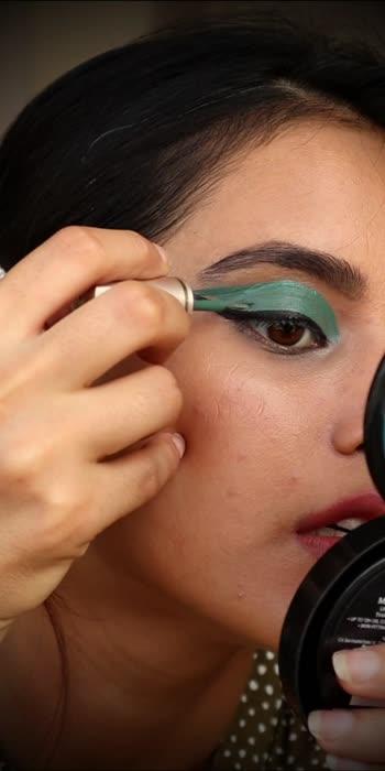 #graphiceyeliner #eyemakeuplook #makeuptutorial