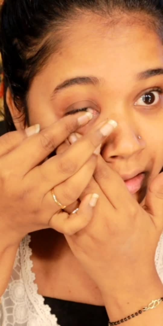 how to wear lenses in easy way #howtowearlens #lens #coloredlens