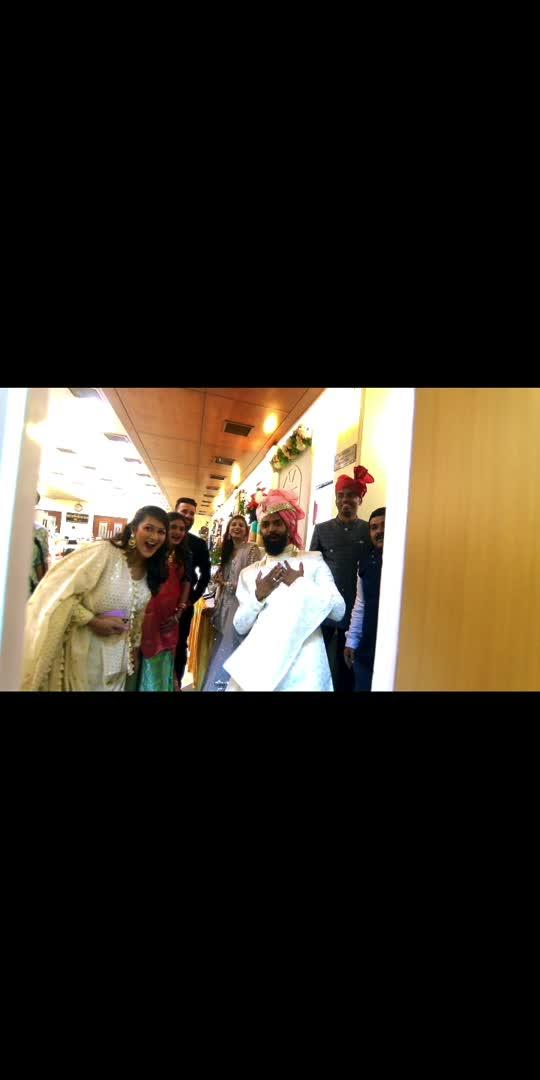 #soroposo #roposoblogger #featureme #indianwedding #weddingvideos #prettymess #thepanlhwedding #khyatinisar