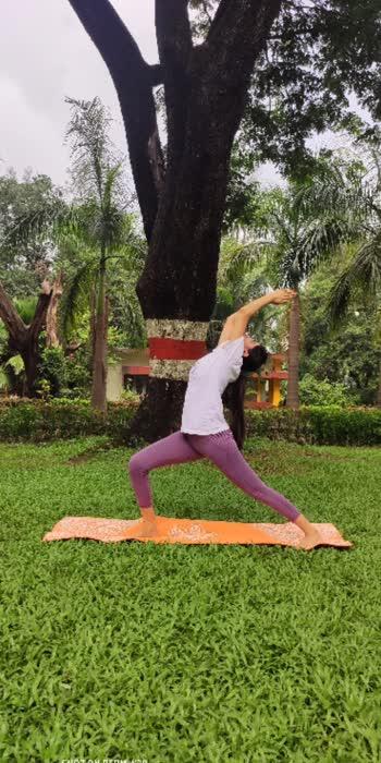 #myyogapose #yogachallenge  #yogalove  #yogaday  #yogapractice  #yogamotivation  #yogateacher  #yogalifestyle