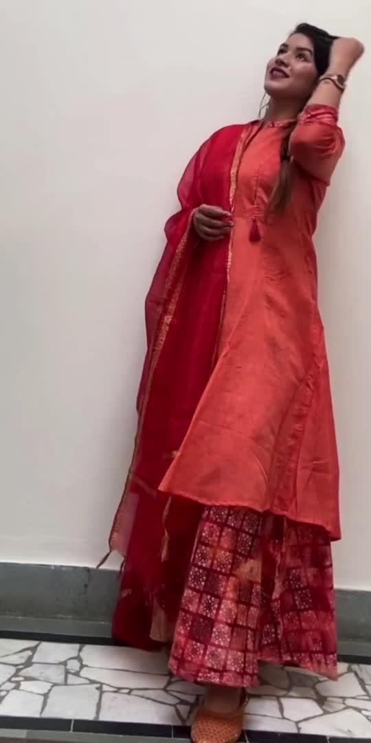 I love ethnic a lot! ❣️  #rupaltoshniwal #fashionblogger #fashionbloggerstyle #indianfashionblogger #indianfashion #ethnicwear #indianwear