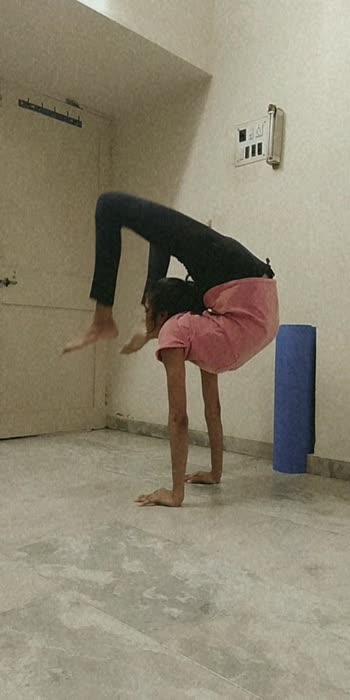 #angrezibeats  #angrezibeat #yoga #handbalancing #handstand  #challenge