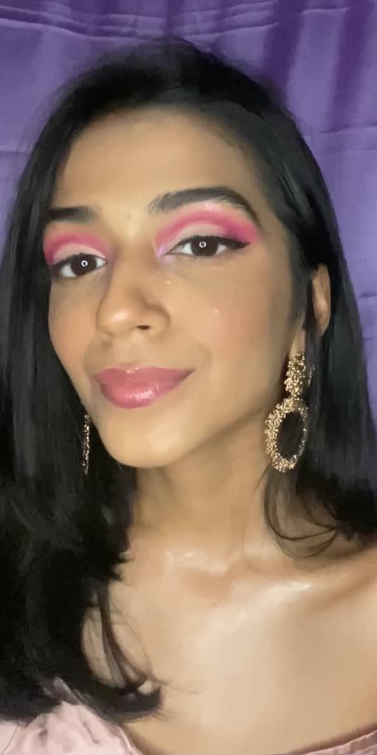 Pink Glam✨ Used the @morphebrushes x @jamescharles pallete❤️ . . . #glintaesthetic #glowymakeup #makeuptutorial #grwmreels #reelitfeelit #lorealparis #wakeupandmakeup #urbandecay #borntorunpallete #bobbibrown #mariobadescu #kaybykatrina #paccosmetics #beauty #buildabitch #makeuptransition #maybelline #toofaced #toofaceddiamondhighlighter #elfcosmetics #bobbibrown #makeuptipsandtricks #makeupforbeginners #beginnermakeup #easymakeuplook #reelsinstagram #beautybloggers #beautyinfluencer #makeupartist #beautymakeup #makeupreels #makeuplooks #theearthrythm #mynykaa #plixxoinfluencer #cosmoindia #bebeautiful #popxodaily
