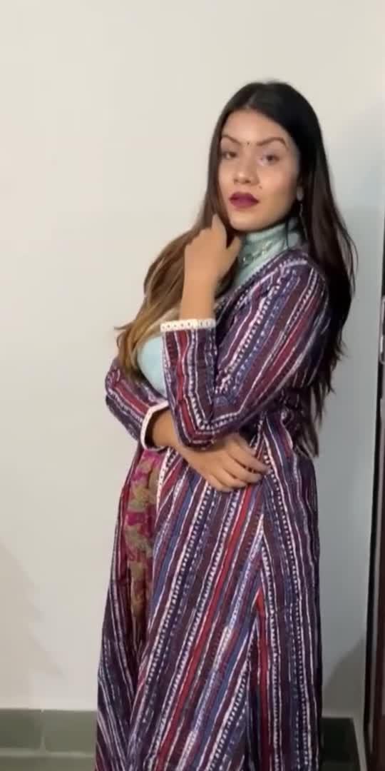 What about Indian fusion outfits! ❣️  #roposo #roposostars #roposofashionblogger #ethnicvibes #indianfashion #fashion
