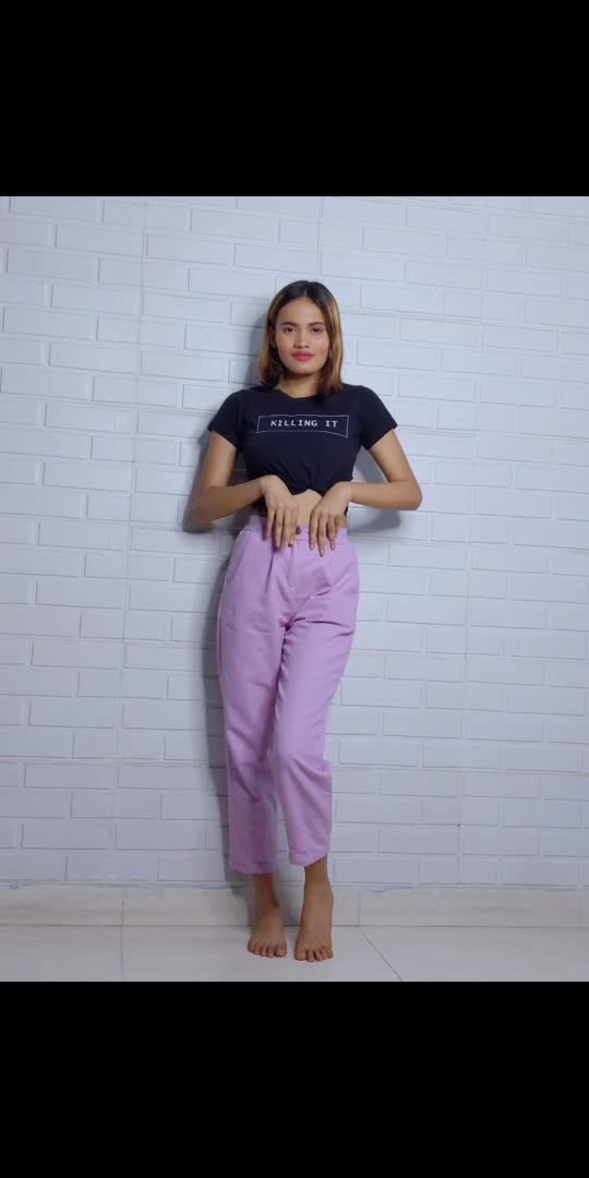 Styling purple trousers with black t-shirt #trousers
