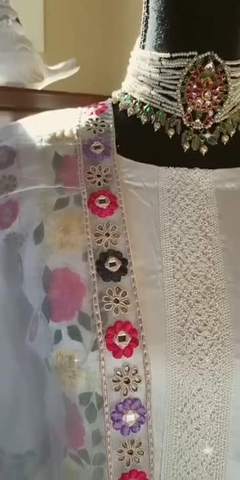 #dresslovers #sareefashion #sareeaddiction #sareecollection