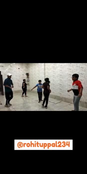 Bhangra Dance #bhangradance #dance #trendingonroposo #trending #rohituppalfam #viral