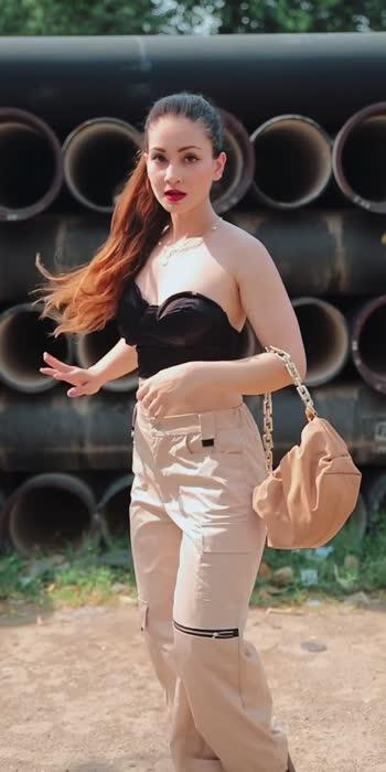 #fashion #joggers #corset #details #walk