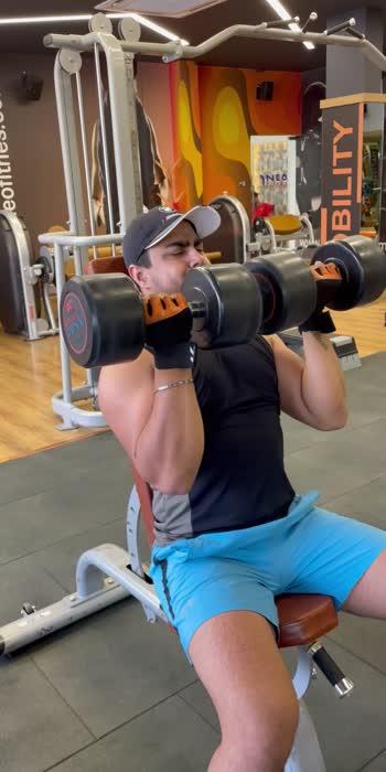 Arnold Press . . . . #shoulder #shouldersworkout #shoulderstrength #boldlook #foryou #foryoupage #trending #roposostar #roprosolove #like4like #fitnessmodel #fitnessaddict #gymlovers