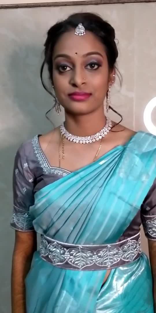Everyone drapes a saree slightly differently and everyone's body looks different in it. But women in sarees are like snowflakes. Unique yet beautiful in their own way.  #sareeinspiration #sareedraping #sareelove #ropo #roposostar #bridalmakeup #roposo #roposoartist #roposocontest #roposo-morning #roposowow #roposo-makeupandfashiondiaries  #redsaree #bluesaree #sareeindia #sareefashion #chennai #saree #blousedesigns #ethnicwear  #chennaisuperkings #sareeblogger #bebridemakeup