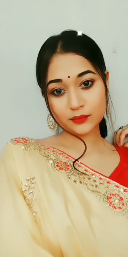 i love this look and also how i blink in the end ❤🙈 #makeupartist #makeupartistindia #loveindia #makeupblogger #makeuplover #transitionindia #viralvideo #trendingvideo #trend