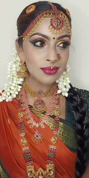 Traditional Madisar look #photoshoot #model #makeupartist #chennai #chennaimua #bridalmakeup #bridaldraping #modelshoot #tradtionallook #bridelook #weddingjewellery #roposostar #roposo-beats #reelstrending #reelsindia