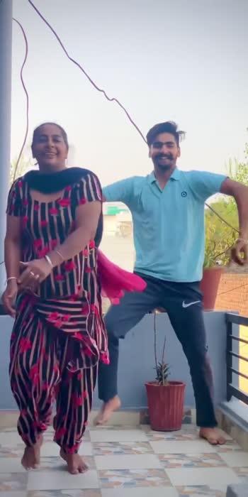 Bhangr with maa ❤️  #maa #mom #momlove #momslove #bhangra #bhangrapaale #bhangralove #bhangrafunk #bhangramusic
