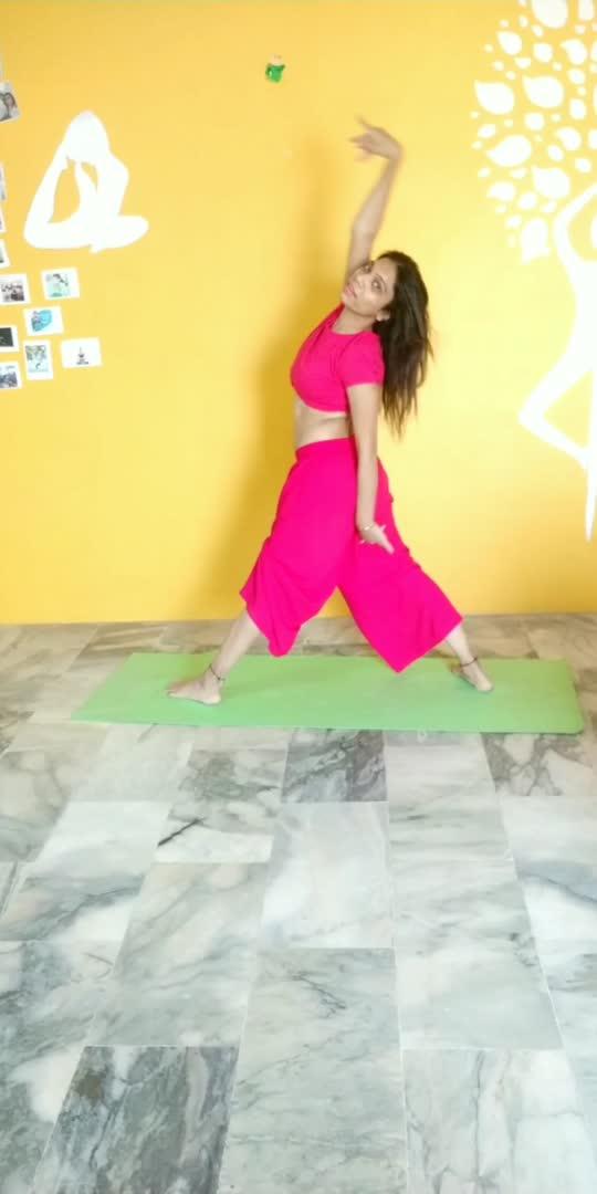#yogadance #yogachallenge #yogalove #fitnessmodel #fitnessfreak #roposostar #roposoyoga