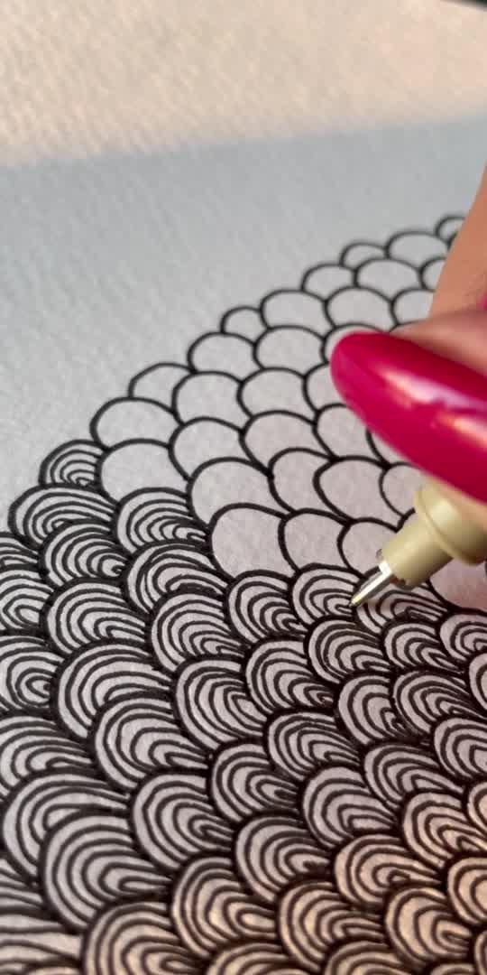 Simple pattern 🌻  #pattern #lineart #artistonroposo