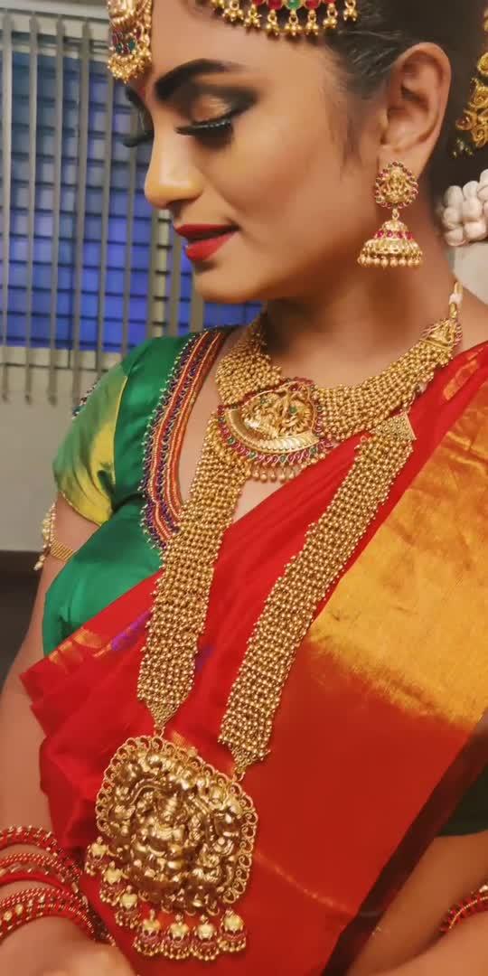 #roposo #roposostar #share #comment #like #bgm #bgmlove #platinum #raisingstar #roposolove #saree #sareelove #traditional #bridalmakeup