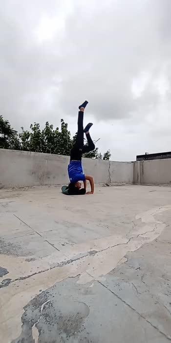#titli #handbalancing #headstand #yoga #explore #foryou #yogaeveryday #yoga4roposo