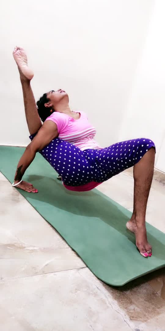 #yoga #yogachallenge #yoga4roposo #yogagirl #roposostar #beats_channel #trendeing #viralvideo #likeforlike #lookgoodfeelgoodchannel#yoga4roposo #yogalover #yogagirl #yoga