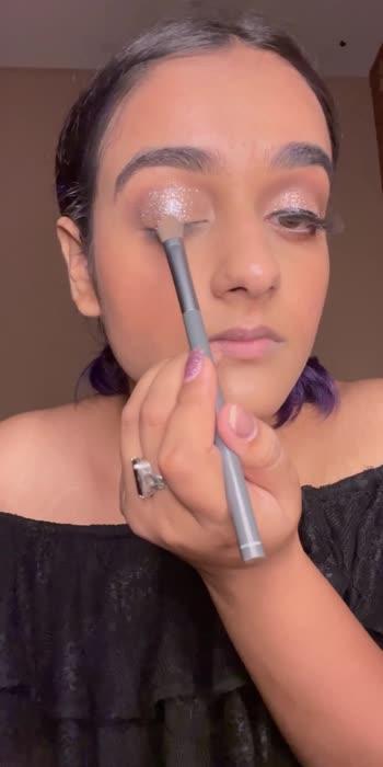#easymakeup #easymakeuptutorial #eyemakeuptutorial #glittereyeshadow #glittereyemakeuplook #makeuptutorialforbiginners #trending #roposolove #loveroposo