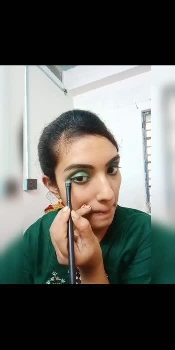 #greensmokeyeyes #makeup #makeuptutorial  #budgetshopping #under300rs