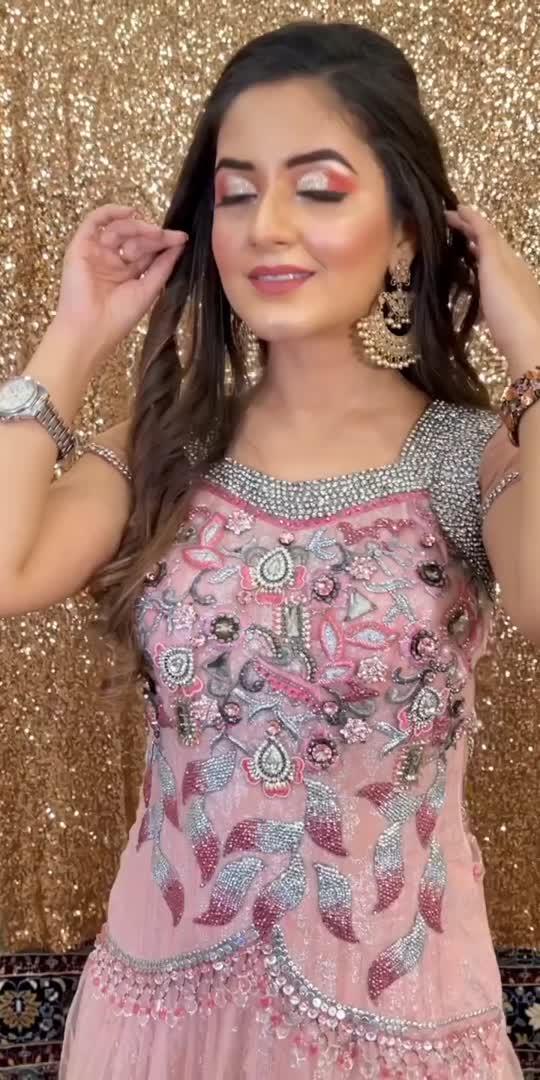Makeup Transformation 💕🥰 #lookgoodfeelgood #lookgoodfeelgoodchannel #transitionindia #makeuptransition #makeuptutorial #makeuplover #makeupblogger #roposomakeup #transitionvideo #glam #glitter #glittereyes #glittermakeup #makeuplook #makeuplooks #indianbeautyblogger #ujjwal #UjjwalDua