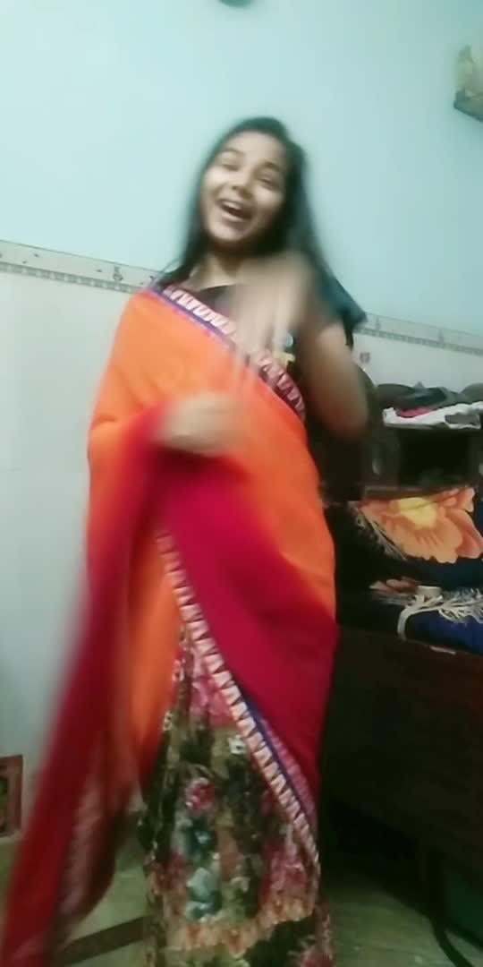 Apni mummy se meri baat ki??? #oldsongs #dance #glanceroposo