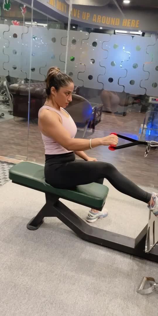 """I will sacrifice whatever is necessary to be the best.""  - J.J. Watt. @officialpuneetsandhu @tanksgymindia   #backworkout  #backday #fitnessmotivation #workoutmotivation #gymtraining #roposo-beats #roposoworkout"
